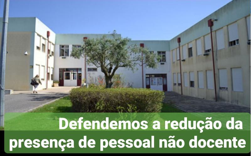 Defendemos a redução do pessoal não docente durante o período de encerramento das escolas