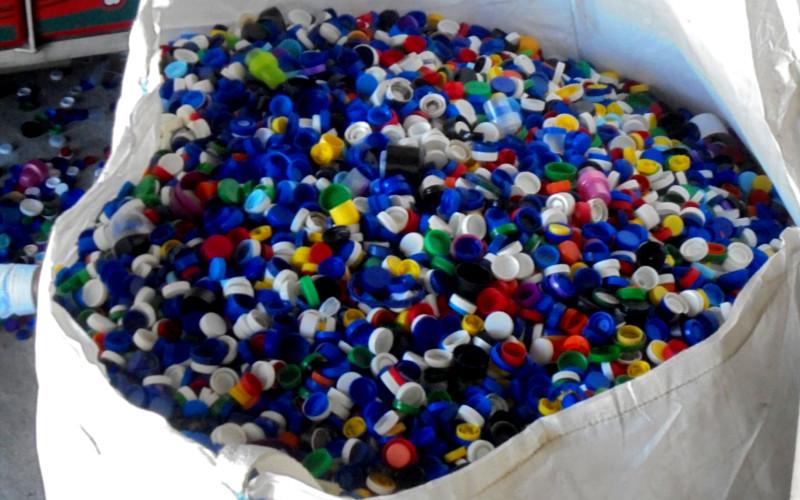 Recolhemos 7 toneladas de tampas para uma boa causa